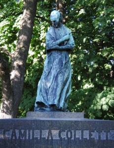 collett-statue